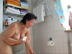 Chubby mature in bathroom