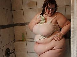 HOT GIRL BIG BELLY SHOWER