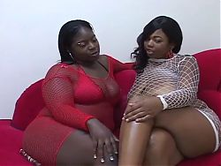 two bbw blacks lesbians on sofa