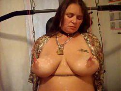 tortura tetas gorda